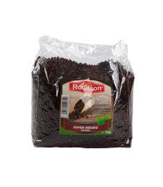 Piper negru boabe Roddson, în ambalaj de 1kg este condimentul perfect pentru acel plus de savoare care fac dintr-o rețetă bună, un succes!